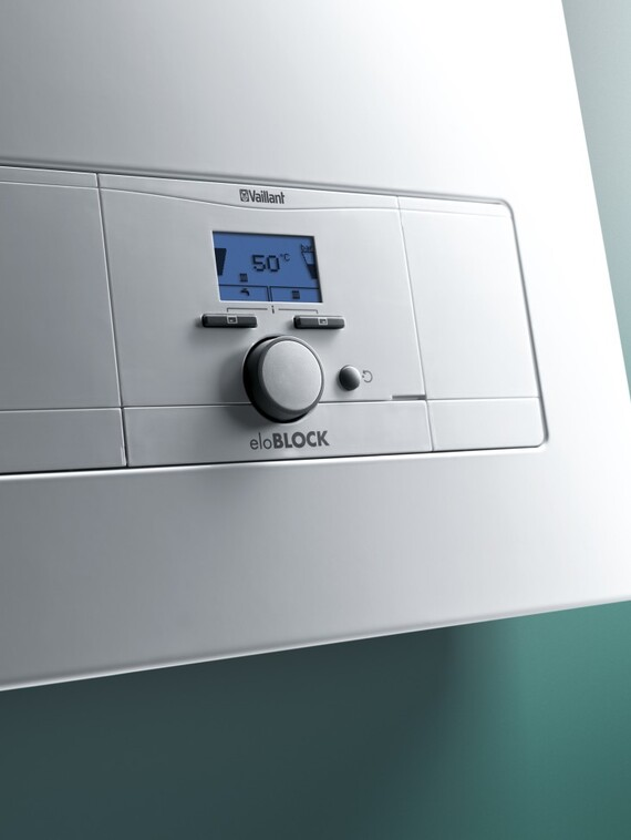 The electrical wall hung boiler eloBLOCK has a digital display that is easy to operate