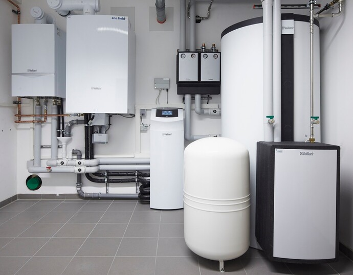 //www.vaillant.info/media-master/global-media/vaillant/architects-planners/magazine-article/the-next-step-innovative-fuel-cell-heating/reference-de-alltusried-pictureinstallation-625896-format-flex-height@690@desktop.jpg
