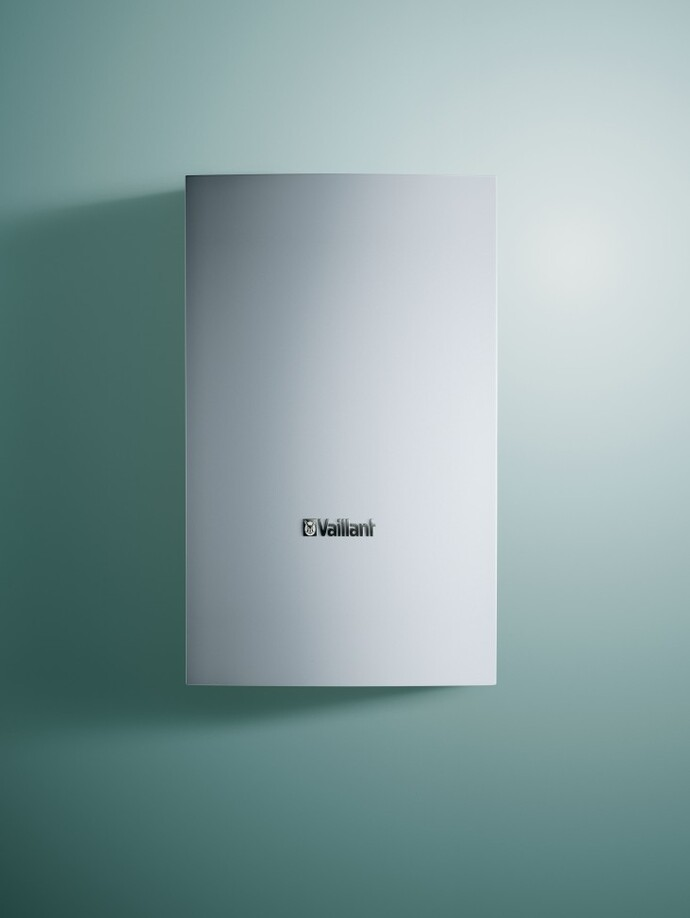 //www.vaillant.info/media-master/global-media/vaillant/product-pictures/emotion/storage13-11769-01-105087-format-3-4@690@desktop.jpg